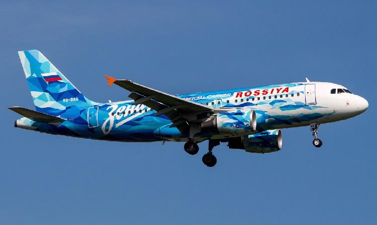 Самолет российских авиалиний