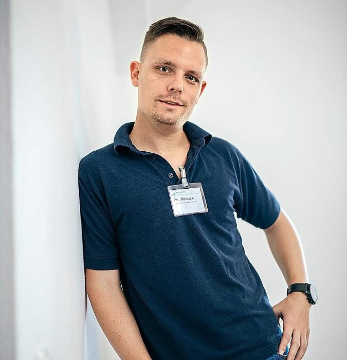 Филипп Peнep - санитар