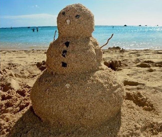 Песочный снеговик